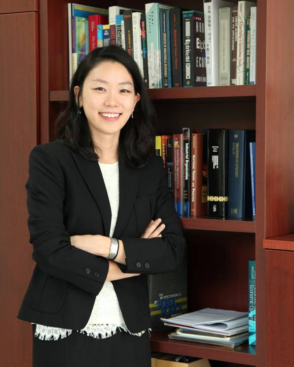 Rhee, KiEun Associate Professor 사진
