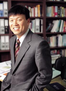 Lee, Byungtae Professor 사진