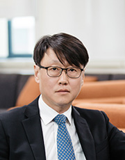 Hwang, Sung-Ha Associate Professor 사진