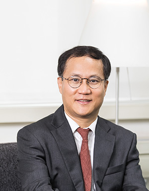 In, Younghwan Associate Professor 사진